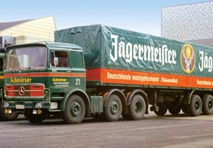 Jägerpedia - Public transport advertising